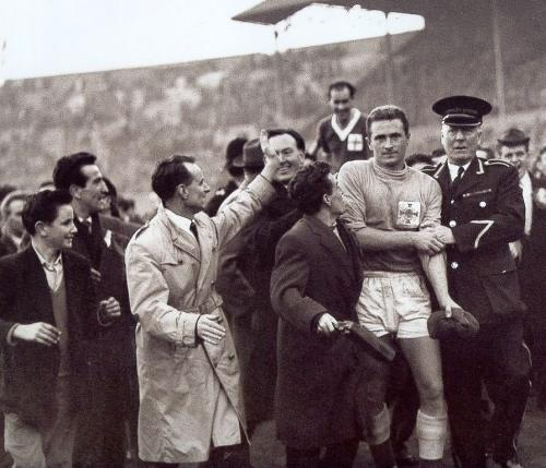 1957_England3_NorthernIreland2_07